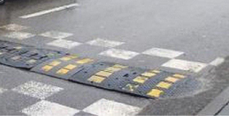 Лежачий полицейский отремонтировали на улице Бибиревской