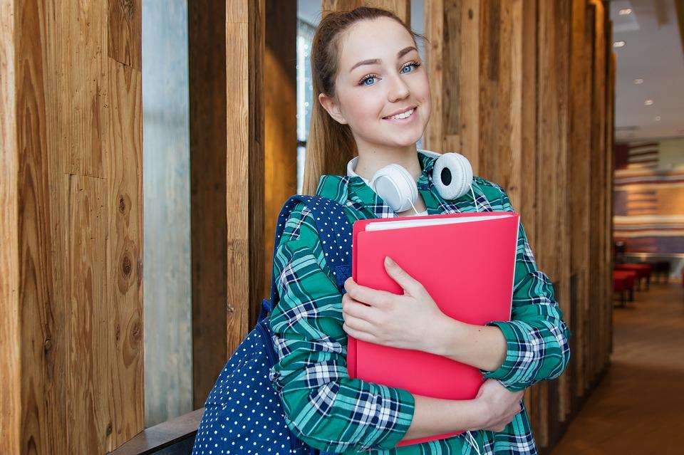Подростки из Алтуфьевского смогут пройти оплачиваемую стажировку